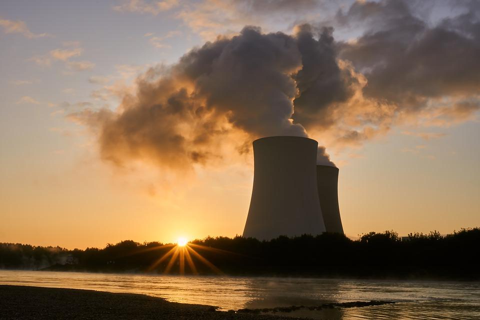 « Les pressions managériales que subissent les sous-traitants du nucléaire, le poids de la gestion néolibérale et leurs conditions de travail sont de vrais sujets sociaux qui devraient faire régulièrement la Une »